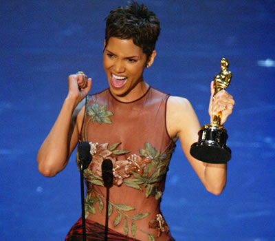 Halle Berry Winning Her Oscar
