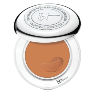 it-cosmetics-confidence-in-a-compact-serum-foundation